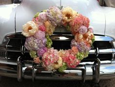 Flower ring to adorn the wedding car
