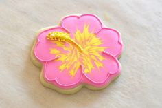Glorious Treats: {Cookie Decorating} How to make pretty hibiscus cookies