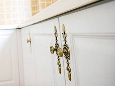 Super kitchen cabinets to ceiling diy laundry rooms 37 Ideas Kitchen Cabinets To Ceiling, Kitchen Cabinet Door Styles, Cabinet Door Hardware, Diy Cabinet Doors, Refacing Kitchen Cabinets, Kitchen Cabinet Knobs, Diy Cabinets, Refinish Cabinets, Door Knobs