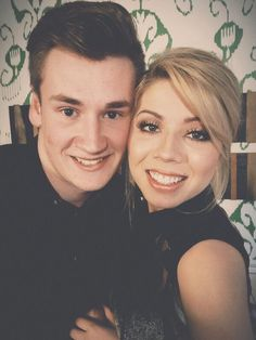 Oli White and Jennette McCurdy