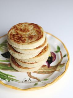 vegan crumpets for brunch or breakfast YES PLEASE