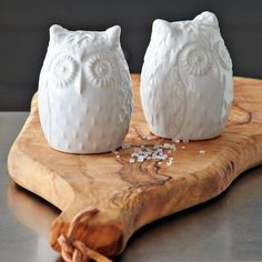 Owl salt and pepper shakers! More owl decor @BrightNest Blog salt pepper, westelm, peppers, kitchen, salts, owl salt, owls, west elm, pepper shaker