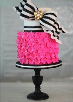Flower and bow cake