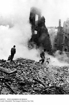 Berlin bombing.Ullsteinbild. Granger Collection.