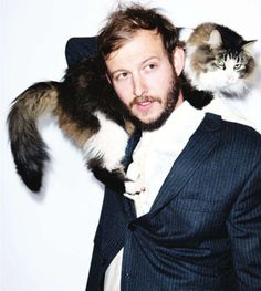 Find images and videos about cat, bon iver and justin vernon on We Heart It - the app to get lost in what you love. Bon Iver, Celebrities With Cats, Celebs, Beautiful Men, Beautiful People, Perfect People, Justin Vernon, Men With Cats, Albert Schweitzer