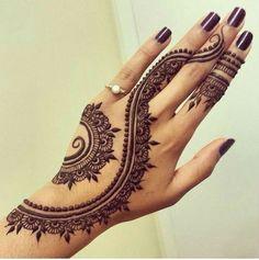 40 Delicate Henna Tattoo Designs