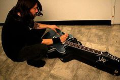 Dave Grohl signing my DG335. Jay
