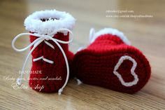 Crochet baby booties, baby shoes, boots, red, white, ribbon, Christmas, Santa, READY TO SHIP, photo prop, size 0-3 months, gift