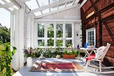 Seven Useful Shade Tolerant Groundcovers For Tough Spots Uterum Styling Och Foto Johanna Hopkins Text Eva Sanner Stylingassistent Anna Israelsson Home And Garden, Garden Room, Cottage, Home Porch, Home, Outdoor Rooms, Summer House, Porch And Balcony, Sweden House