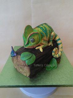 Chameleon on log lizard reptile cake https://www.facebook.com/karenscakesandart