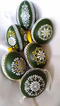 45 Next-Level Easter Eggs Decoration Ideas and Projects. Next-Level-Easter-Eggs-Decoration-Ideas-and-Projects. What comes on the way when we move towards spring? Hence we got you these Next-Level Easter Eggs Decoration Ideas and Projects Making Easter Eggs, Plastic Easter Eggs, Easter Egg Crafts, Painting Eggs For Easter, Easter Egg Designs, Ukrainian Easter Eggs, Coloring Easter Eggs, Egg Decorating, Painted Rocks