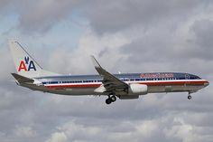American Airlines N882NN Boeing 737-823(WL) 33221 MIA Miami Airport 2012
