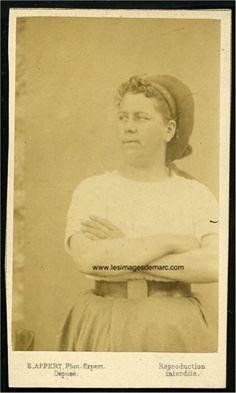 Hortense David, communarde, photographiée par Appert dans les prisons versaillaises en 1871. Original document. www.lesimagesdemarc.com