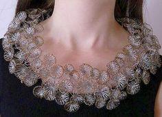 wire jewelry by Ines Schwotzer Wire Wrapped Jewelry, Wire Jewelry, Jewelry Art, Fashion Jewelry, Jewelry Design, Wire Earrings, Jewellery, Artistic Wire, Wire Crochet