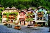 Colorful and picturesque village square in Hallstatt, Austria stock photography