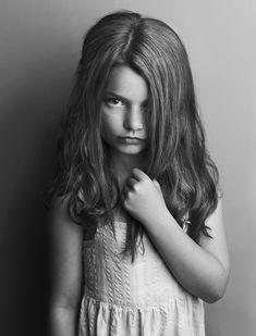 Lisa Visser Fine Art Photography - Children's portrait photographer in West Sussex Portrait Photography Poses, Portrait Poses, Studio Portraits, Artistic Photography, Fine Art Photography, Portrait Photographers, Kid Portraits, Children Photography Poses, Inspiring Photography