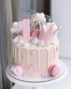 Birthday Cake Crown, 1st Birthday Cake For Girls, Girl Birthday Decorations, Baby Birthday Cakes, Beautiful Birthday Cakes, Birthday Cake Decorating, Birthday Kids, Happy Birthday, Bolo Barbie