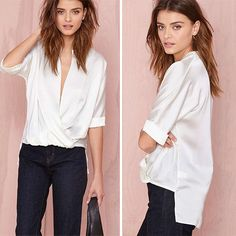 As an office lady,shirt is a perfect choice since it can show your elegant temperament and charming style. Look at this shirt,it features stand collar,half sleeve and high-low hemline design. Perfect for pairing with jeans,skirts and shorts.