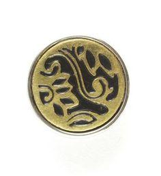 Noosa chunk METAL BUTTON. Deze chunk staat symbool voor een button geïnspireerd op Indonesische patronen, met allemaal een eigen betekenis. Sommigen hebben een genezende werking, andere staan voor hemel en aarde of de familie waaruit je komt - NummerZestien.eu
