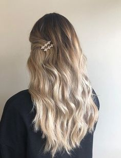 Holiday Hair by using Elixir Ultime Hair Oil - Prom Hairstyles Prom Hairstyles, Easy Hairstyles For Long Hair, Holiday Hairstyles, Hairstyles For School, Hairstyle Ideas, Bangs Hairstyle, Special Occasion Hairstyles, Stylish Hairstyles, Beautiful Hairstyles