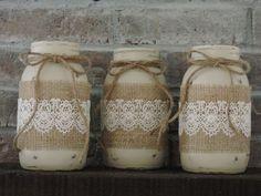 Painted Fall Mason Jars-Fall Home Decor, Rustic Fall Wedding, Mason Jar Decor Burlap Mason Jars, Fall Mason Jars, Mason Jar Projects, Mason Jar Crafts, Diy Projects, Quart Size Mason Jars, Mason Jar Bathroom, Rustic Wedding Centerpieces, Burlap Centerpieces