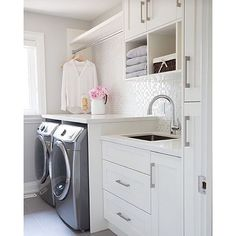 Interior Design @the_real_houses_of_ig We would be delighted to do laundry in this space! By Barlow Reid Design