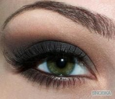 Dark smokey eye tutorial