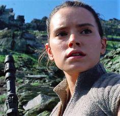 Rey looks like she's taking a selfie