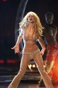 WHAT MILEY CYRUS WAS TRYING TO DO: Steal the show. | This Is Why Miley Cyrus' VMA Performance Was A Failure