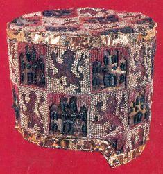 Cap belonging to Ferdinanado de la Certa, died aged 20 , 1211 or 1275, Spanish