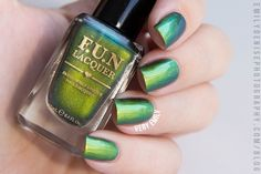 F.U.N. Lacquer – Christmas 2014 Collection F.U.N. Lacquer – C'est Noël (natural daylight)