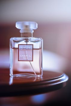 Coco Mademoiselle by Chanel is a Chypre Floral fragrance for women. Top notes are orange, mandarin orange, orange blossom and bergamot; middle notes are mimose, jasmine, turkish rose and ylang-ylang; base notes are tonka bean, patchouli, opoponax, vanilla, vetiver and white musk.