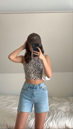 Teen Fashion Outfits, Retro Outfits, Cute Casual Outfits, Short Outfits, Look Fashion, Outfits For Summer, Tomboy Fashion, Look Kylie Jenner, Looks Pinterest