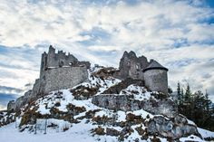 Medieval ashes of the Ehrenberg castle in Tirol Alps, Austria, on a clear winter day Castle Ruins, Medieval Castle, Culture Of France, Clear Winter, Famous Castles, Berg, Stunning View, France Travel, Rafting