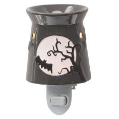 FRIGHT NIGHT Plug-In Warmer.Fright Night features a glowing full moon, embossed bats, and ominous tree branches–a spooky addition to your Halloween décor. Dark and eerie, this warmer will give you and your trick-or-treaters goose bumps! Scentsy Plug In Warmers, Wax Warmers, Fright Night, Fall Halloween, Halloween Moon, Haunted Halloween, Halloween Decorations, Plugs, Stuff To Buy