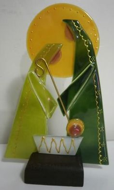 this is glass but could work in Polymer too Fused Glass Ornaments, Fused Glass Art, Diy Christmas Ornaments, Christmas Decorations To Make, Christmas Nativity Set, Nativity Sets, Stained Glass Christmas, Recycled Bottles, Glass Design