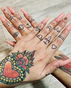 Beautiful finger symbols by @rosebellelife.