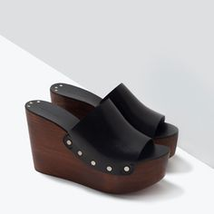 Zara black LEATHER clogs cow leather, sole polyurethane thermoplastic and polyurethane lining. Leather Clogs, Leather Wedges, Leather Sandals, Black Leather, Cow Leather, Kid Shoes, Me Too Shoes, Shoe Boots, Wedge Shoes