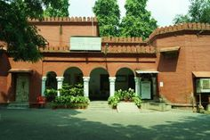 Abdullah Hall – Named after Sheikh Abdullah. Founder of the women's college. - La Vacanza Travel, New Delhi Aligarh Muslim University, Senior Secondary School, Building Department, Medical College, Entrance Gates, New Delhi, Convention Centre, Travel Agency