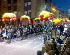 Paracaidista disfraz globos