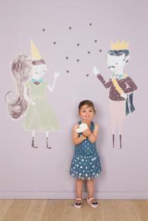 Wall art muurstickers sprookjes bestaan: prins L / prinses L / hartjes - muur: WE M32 soft lila.  Alles uit de collectie We are colour, by BOSS paints