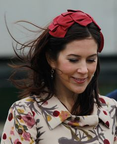Princess Mary and Prince Frederik Photos - Danish Crown Princess Mary, who is pregnant with twins, tours the Ozeaneum maritime museum and aquarium on September 27, 2010 in Stralsund, Germany. Danish Crown Prince Frederik and Mary are on a two-day visit to northern Germany. - Danish Crown Prince Couple Visit Germany