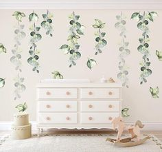 These beautifulwatercolourgreen foliagewall decalswill add a realstatementto any room! With neutral colour tones, they are perfect for both boys and girls bedrooms or nurseries.Aseach decal isindividual, you can arrange and position themto suit yourspace. Each leaf cluster is the same size soyou can join them together to make cascading leafy drops or spread them around to cover a larger space. Some our our leaf clusters are lighter than others giving perspective and depth to…