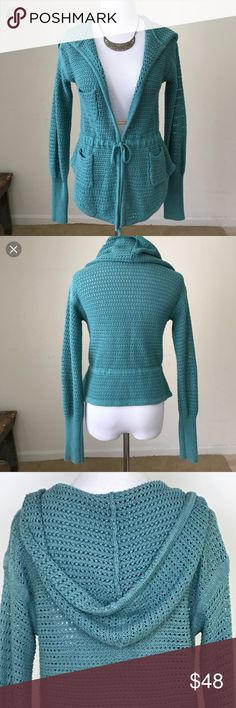Free People Hooded Chunky Knit Cardigan 🌼 Free People hooded turquoise knit cardigan with adjustable tie waist.  Cute front pockets.  In excellent, gently used condition. Free People Sweaters Cardigans