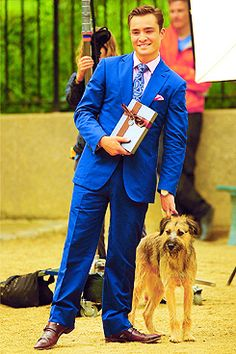 Ed Westwick as Chuck Bass and his dog Monkey on Gossip Girl (2007-2014) | Tumblr