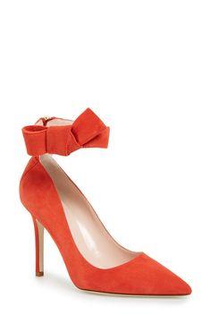 'levie' pointy toe pump (Women)