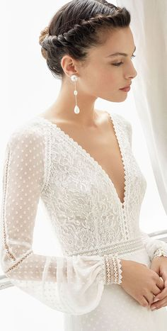85 stunning wedding dresses with amazing details, lace wedding dress, long sleeve . - 85 stunning wedding dresses with amazing details, lace wedding dress, long sleeve … – – # Breathtaking dress # Bridal dresses Stunning Wedding Dresses, Wedding Dress Trends, Long Wedding Dresses, Wedding Dress Sleeves, Perfect Wedding Dress, Bridal Dresses, Lace Dress, Dresses With Sleeves, Dress Long