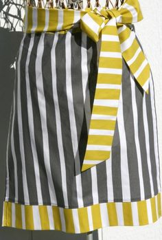 tutorial! modern apron in an hour! other cute items on site for ipad cover, baby shoes, bags