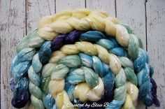 Hey, I found this really awesome Etsy listing at https://www.etsy.com/listing/468236989/merinotencelsilk-chasing-fireflies-4-oz