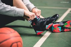A Closer Look at the Air Jordan 7 Retro Anniversary: Nike always comes correct with its anniversary sneakers, and with this year marking the 1980 Mens Fashion, Men's Fashion, Jordan Vii, Nike Shoes, Sneakers Nike, Retro 7, Marvin The Martian, 30th Anniversary, Clothes Horse